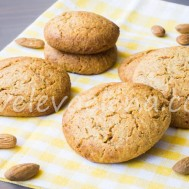Ореховое печенье с мягким творогом и арахисовой мукой