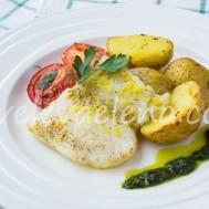 Белая рыба, запеченная с лимонной цедрой
