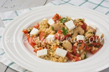 Булгур с фасолью и помидорами