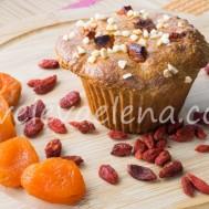 Цельнозерновые кексы с курагой и ягодами годжи