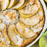 Кокосовый пирог с яблоком