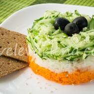 Салат из моркови, огурца и дайкона