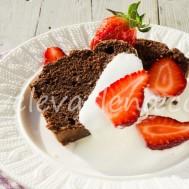 Шоколадный кекс на кокосовом молоке с миндалем
