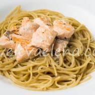 Паста с лососем в белом соусе