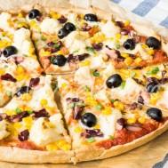 Цельнозерновая пицца с фасолью, кукурузой и цветной капустой