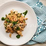 Стир-фрай с курицей, стручковой фасолью и горошком